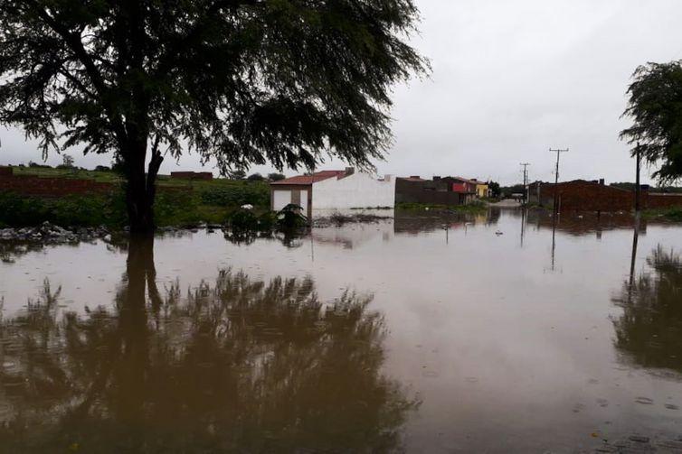 ´Felizmente não registramos mortes até agora´ - Prefeito decreta estado de emergência em Coronel João Sá na Bahia: