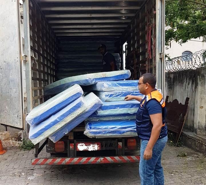 Defesa Civil distribui KIT DORMITÓRIO em Córrego Novo (MG) após chuvas atingirem 300 famílias