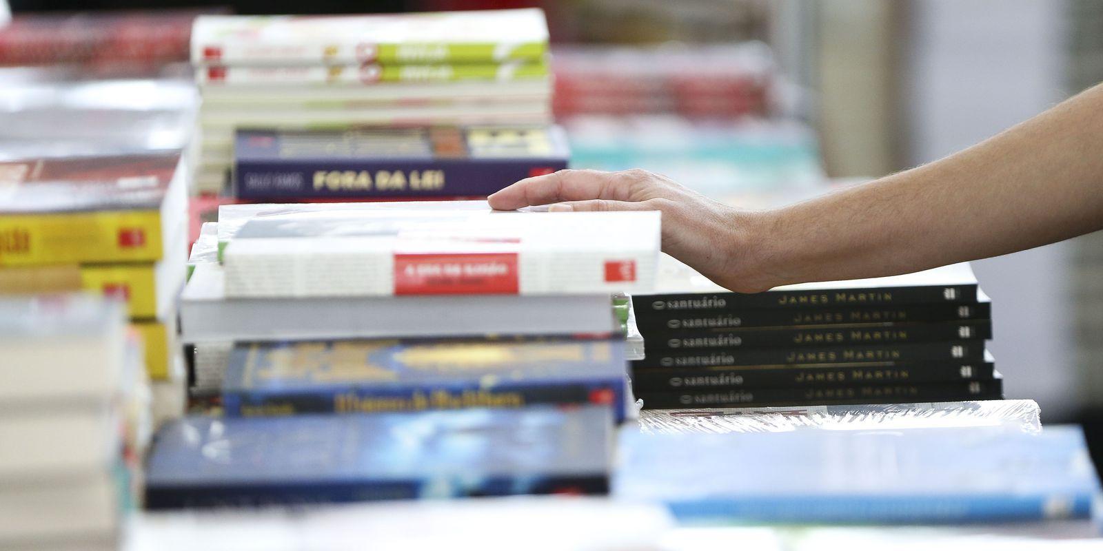 28 milhões de livros foram vendidos no primeiro semestre de 2021. Quase 50% a mais que ano anterior!