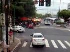Uma volta no centro de Manaus, filmada no ônibus de Turismo