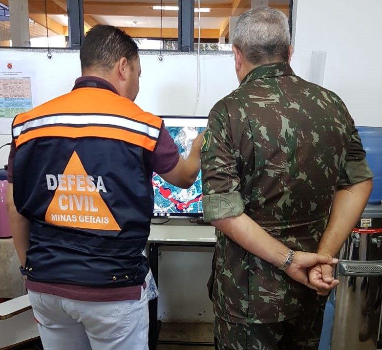 Comandante Militar do Leste, Coronel Walter Braga Netto, visita Posto de Comando em Brumadinho e encontra com Zema: Força Federal em MG.