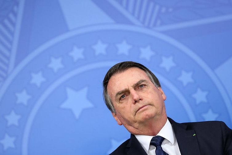Bolsonaro concede indulto de Natal a policiais e outros agentes de segurança condenados por CRIMES CULPOSOS