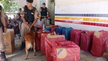 Carro de Serra/ES circulava em Manhuaçu/MG com cigarros contrabandeados: avaliado em R$ 70 mil