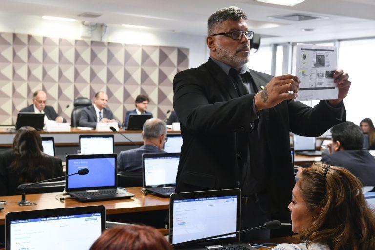 Computador de Assessor de EDUARDO BOLSONARO seria o responsável pelo BOLSOFEIOS do Facebook: Ataques virtuais não seriam de Alexandre Frota