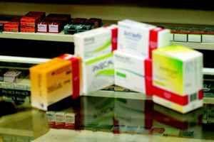Covid-19: O caso Cloroquina e outros medicamentos: automedicação e interrupção não devem ser adotadas - UFMG