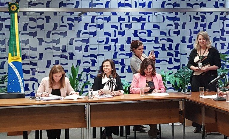 Maior bancada feminina da história: Com 77 deputadas, prioridade devem ser leis e ações sobre violência contra a mulher