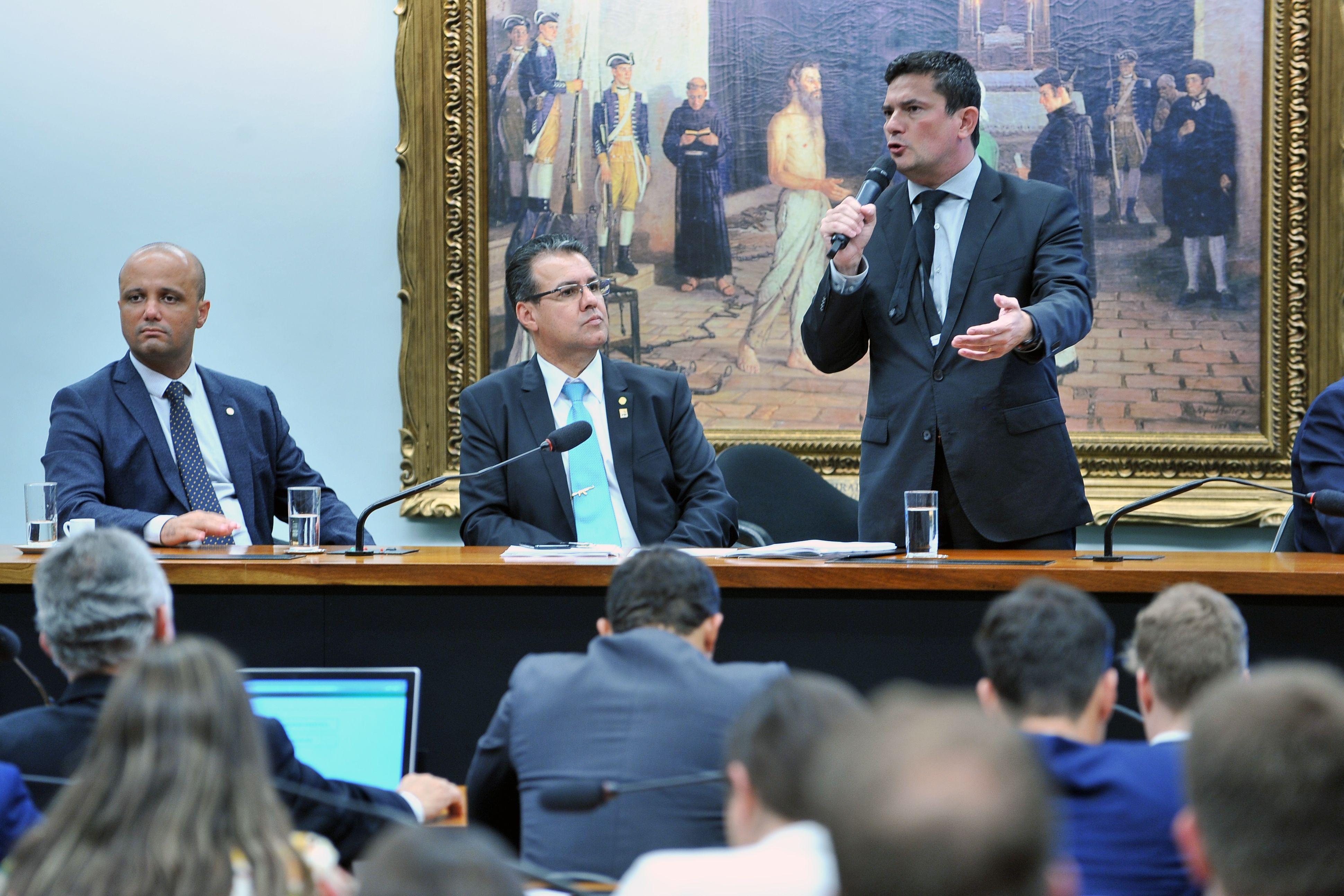 Ministro Sérgio Moro Moro detalha proposta de lei anticrime a deputados: ´O crime organizado faz pagamento de vantagem indevida para buscar impunidade´