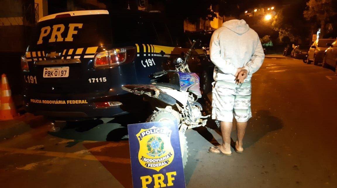 Moto roubada há 7 anos é pega no município vizinho pela PRF na BR-259