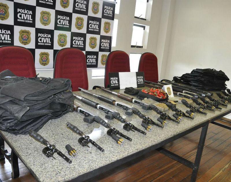 PC vai atrás de ARSENAL roubado de empresa de segurança em Contagem. Vigia é suspeito!