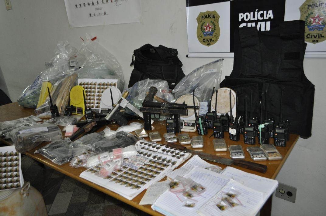 NINHO DE RATO: Polícia Civil prende suspeitos de expulsar cerca de 40 famílias e estabelecer ´território controlado´ em condomínios na Grande BH