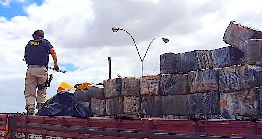 PRF na Bahia apreende 3,5 t de maconha na BR 116. Recorde de quase 15 toneladas só este ano!