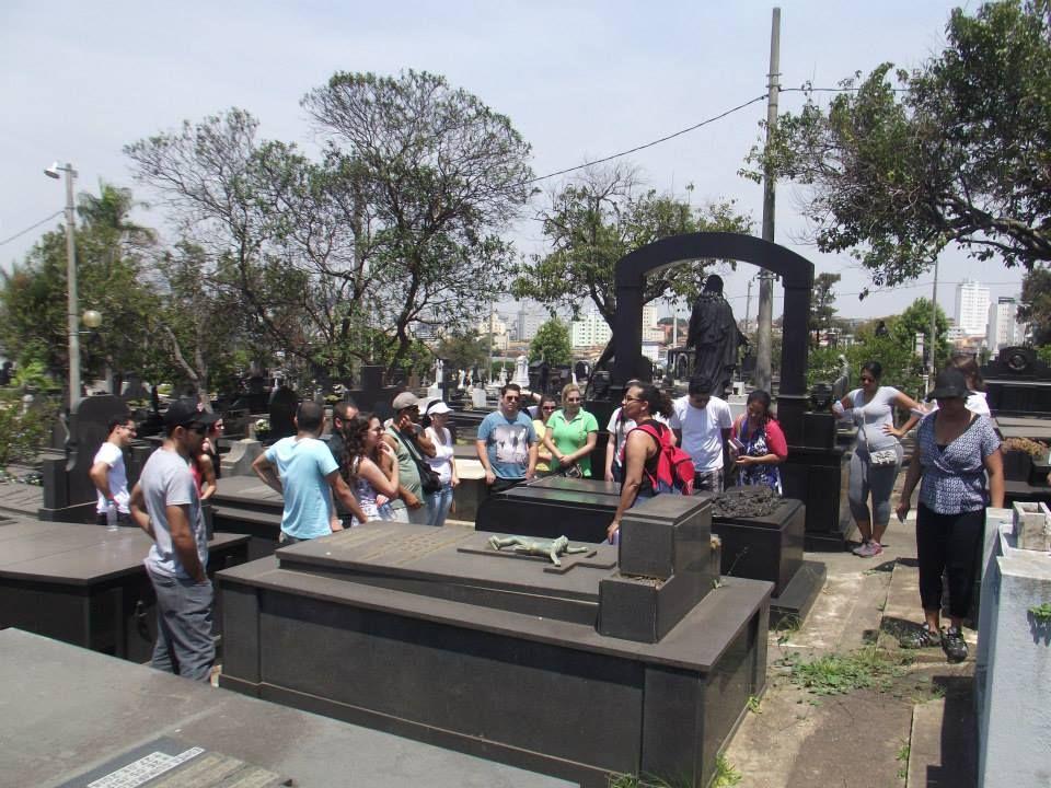 """Projeto """"Visitas Guiadas ao Cemitério do Bonfim"""" começa no próximo domingo - Bh/MG"""