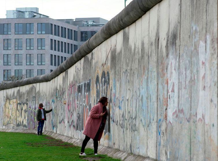 Queda do Muro de Berlim faz 30 anos: veja relatos de quem esteve lá