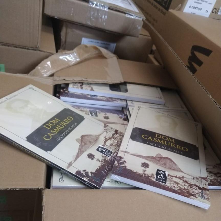 REMISSÃO POR LEITURA: Governo do MT doa 14 mil livros para 42 unidades prisionais. Cada livro lido reduz 4 dias de pena!