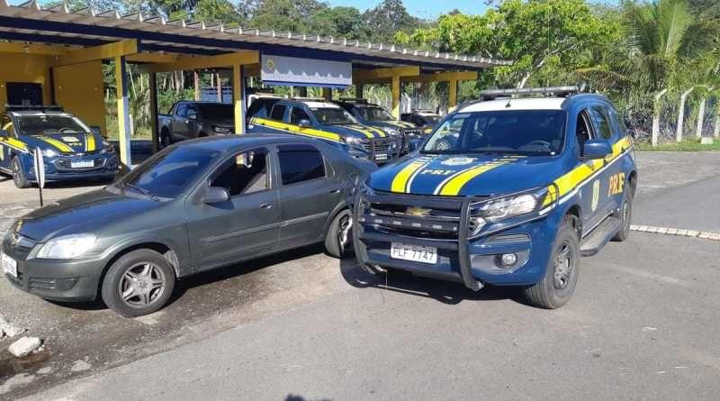 Suspeito de matar motorista de aplicativo é flagrado dirigindo o carro da vítima na BR 101 em Itabuna