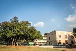UFMG abre vagas para CURSOS TÉCNICOS na Área de Sistemas e BIOTECNOLOGIA (Gratuitos). Formandos do Ensino Médio podem concorrer